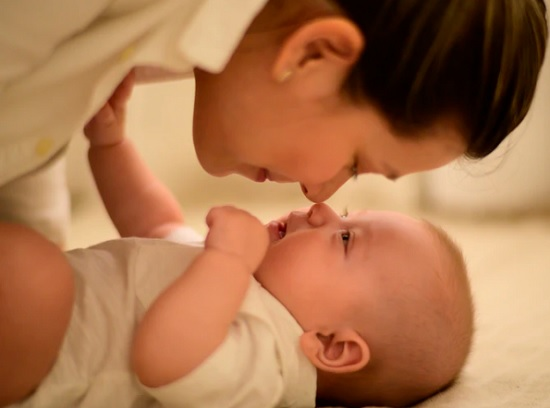 A importância da bolsa maternidade
